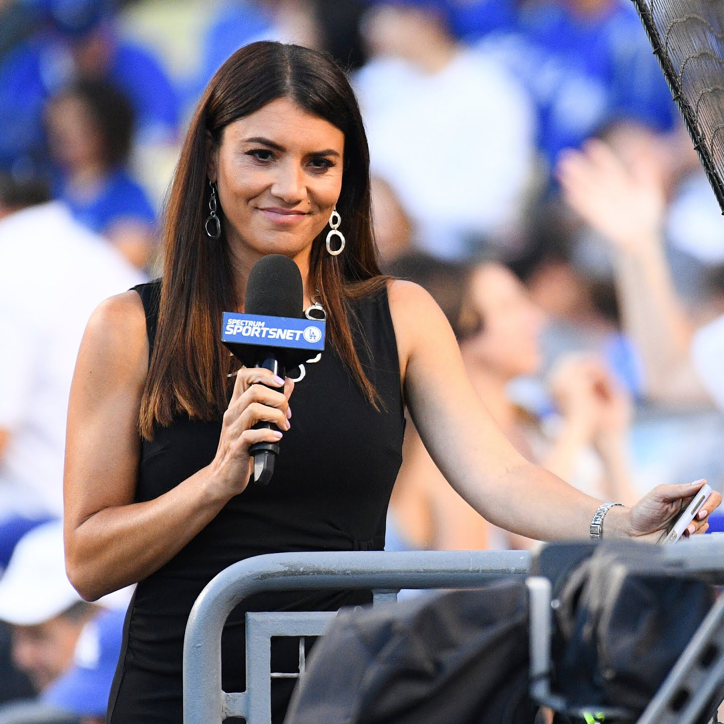 Alanna Rizzo has worked with the Los Angeles Dodgers and MLB Network. She will handle on-field interviews at next week's game.
